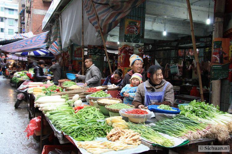 http://si-chuan.nl/wp-content/uploads/Sfeer-uit-Sichuan/02-groentemarkt-.jpg