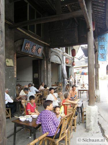 http://si-chuan.nl/wp-content/uploads/Sfeer-uit-Sichuan/13-sfeerbeeld-uit-sichuan-22-.jpg