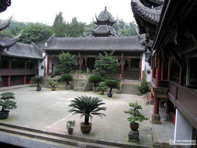 http://si-chuan.nl/wp-content/uploads/Sfeer-uit-Sichuan/25-pagode-2-.jpg
