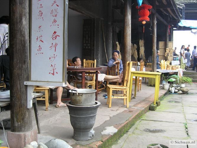 http://si-chuan.nl/wp-content/uploads/Sfeer-uit-Sichuan/31-sfeerbeeld-uit-sichuan-13-.jpg
