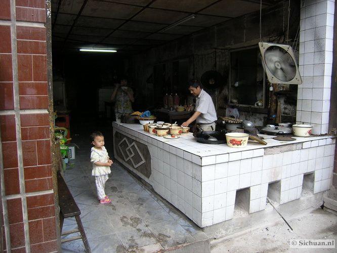 http://si-chuan.nl/wp-content/uploads/Sfeer-uit-Sichuan/39-sfeerbeeld-uit-sichuan-6-.jpg